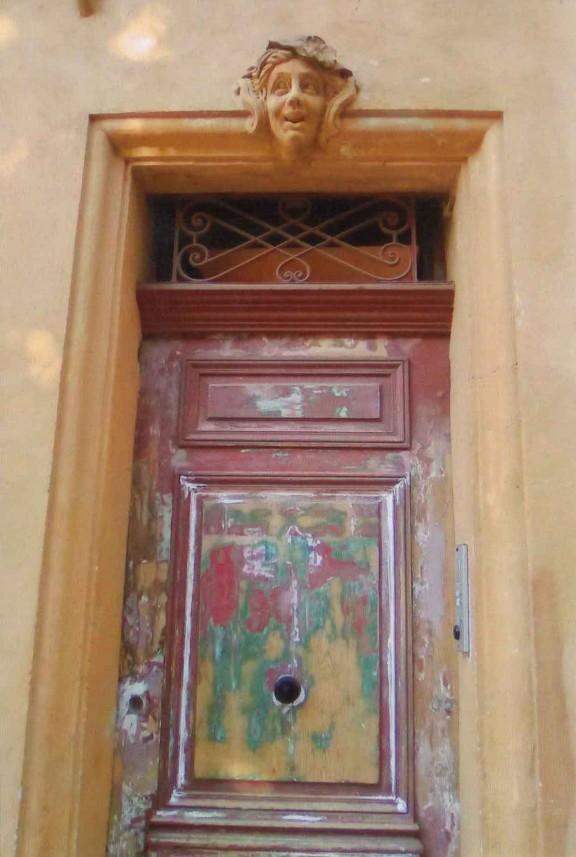 porte-facade-la-maison-de-cerise
