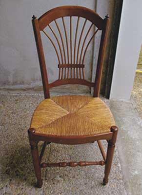 chaise-bois-verni-fonce-la-maison-de-cerise-miniature
