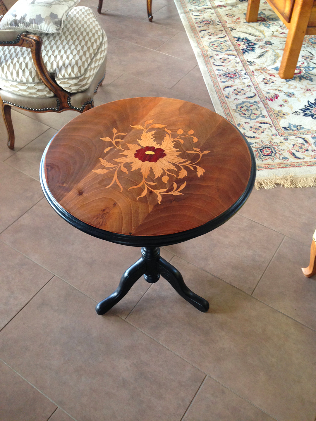 decapage table d'appoint